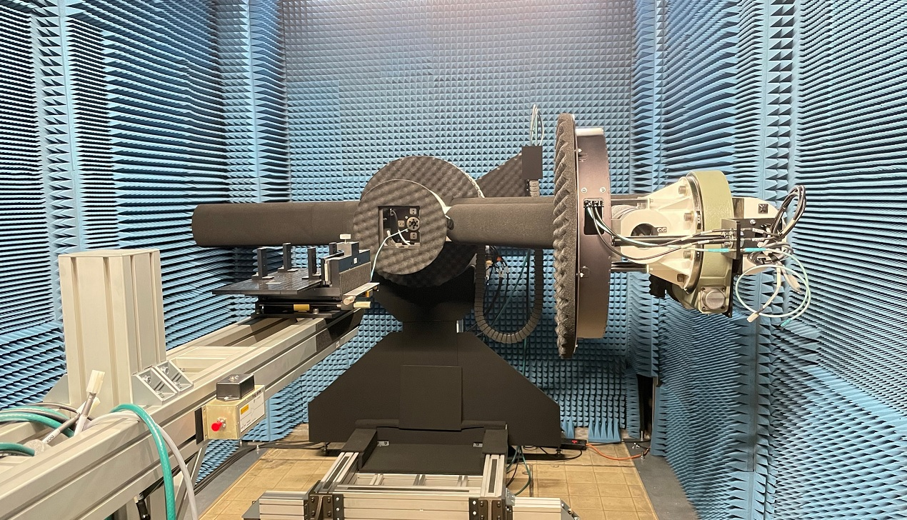 MM-wave Chamber with NSI-MI Robotic arm